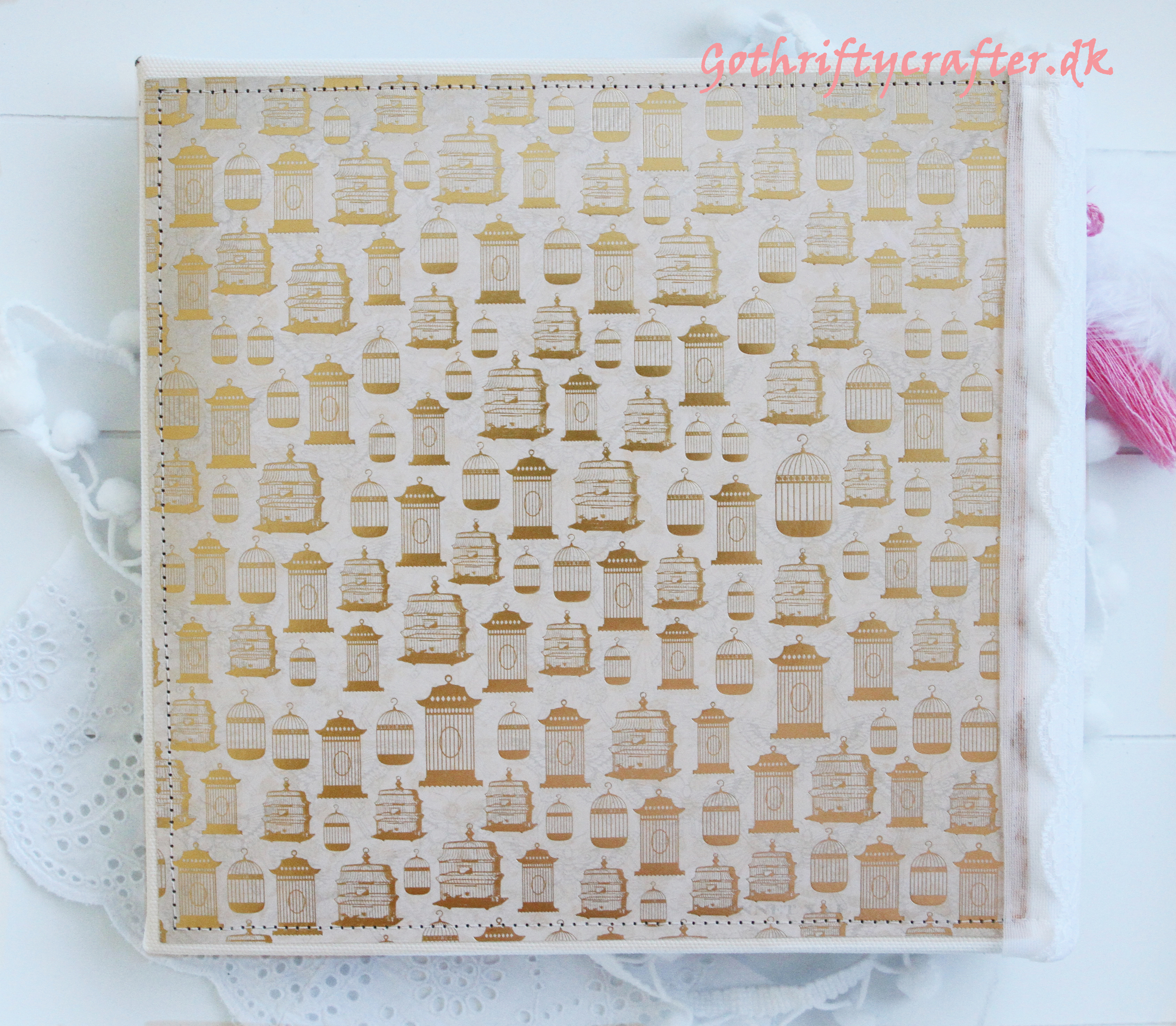 Gothriftycrafter altered album scandinavian style for Fabrika Decoru pink white gold backjpg